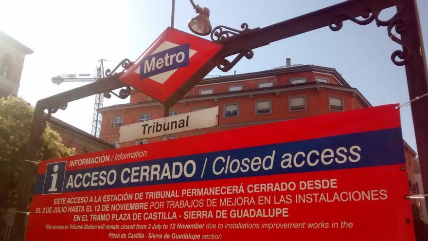Acceso a la línea 1 en la estación de Tribunal, cerrado | SOMOS MALASAÑA