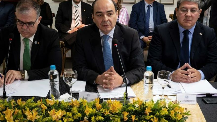 Comisión de 27 expertos asesora a Paraguay en el acuerdo de Itaipú con Brasil