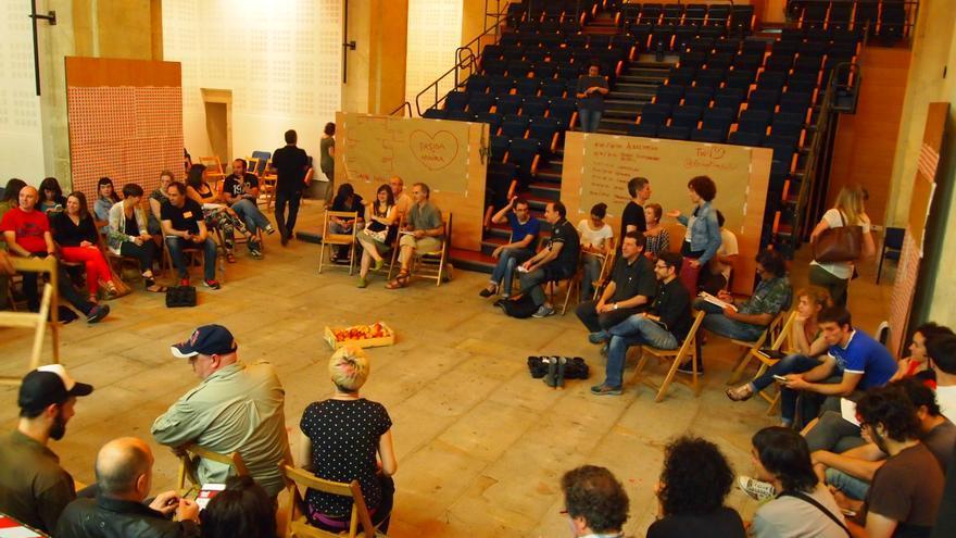 Un momento de la reunión. Foto: Ixi García.