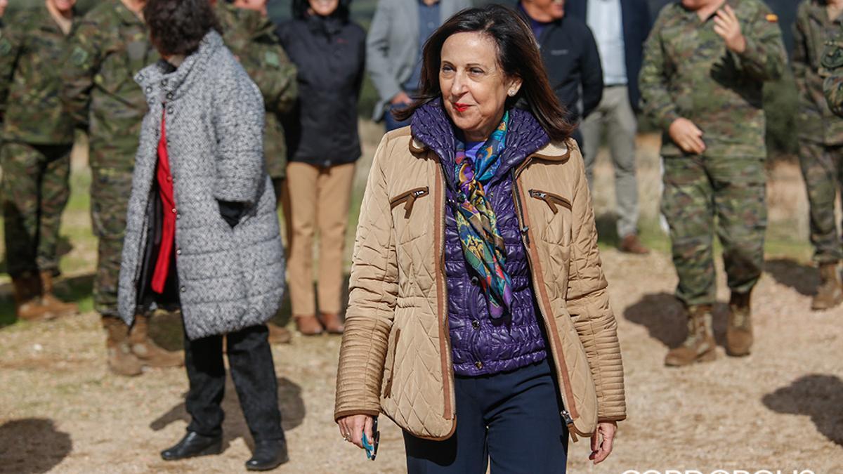 La ministra de Defensa Margarita Robles en una visita a Cerro Muriano