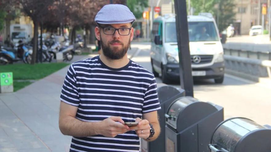 Ferran Niubó, usuario de la 'app' Buzón Ciudadano de Barcelona