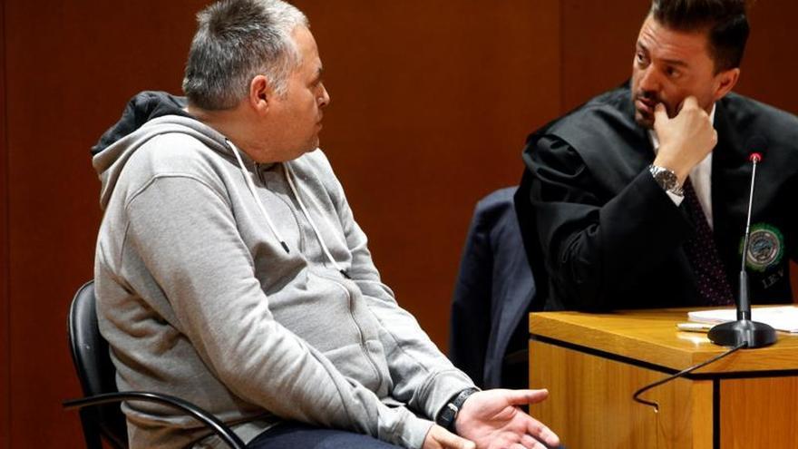 Confirman la petición de prisión permanente para el acusado del parricidio en Oza