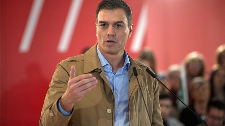 Sánchez visitará Cataluña el primer y el último día de campaña del 20D