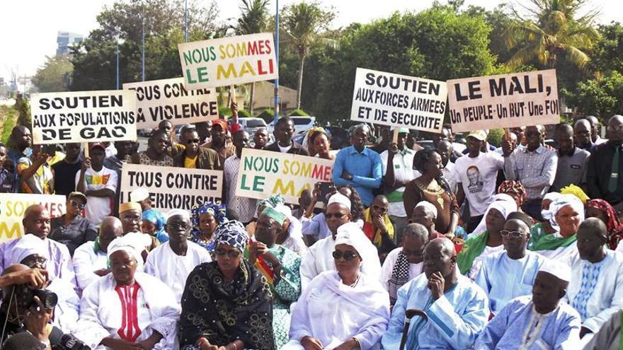 Miles de personas marchan en Mali contra el terrorismo y el atentado de Gao