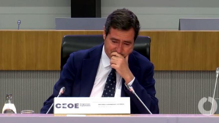 Antonio Garamendi, presidente de la CEOE, rompe a llorar en la Asamblea General de la patronal