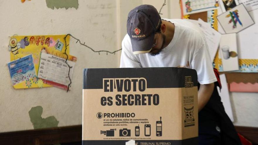 Unos 3,2 millones de costarricenses llamados a votar mañana por 81 alcaldes