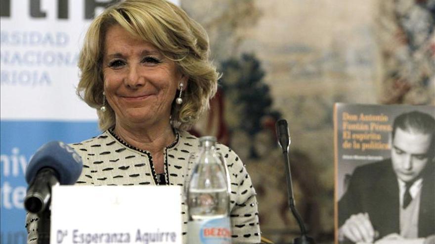 Aguirre, una china en el zapato de Rajoy