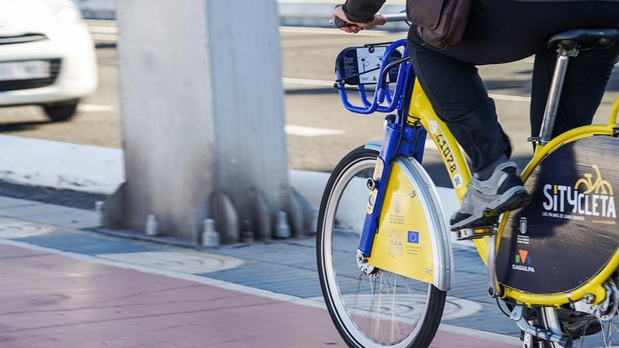 Sitycleta en un carril bici en Las Palmas de Gran Canaria.