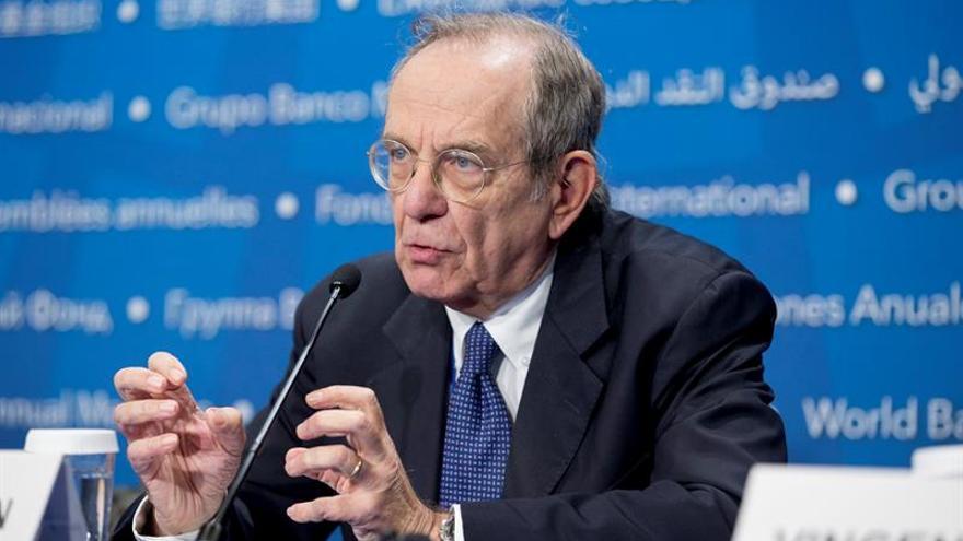 El ministro de Economía y Finanzas italiano, Pier Carlo Padoan