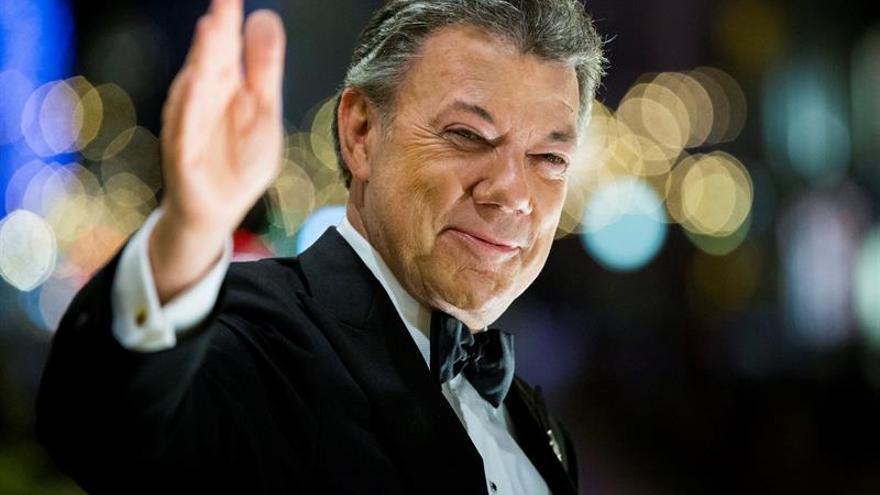 Santos inicia una jornada de reuniones políticas en Oslo tras recibir el Nobel