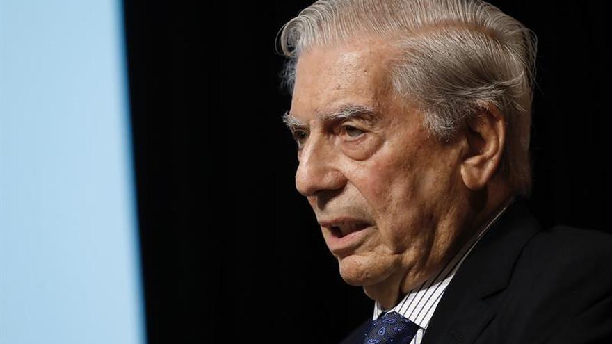 Vargas Llosa participará como ponente independiente en la Convención del PP