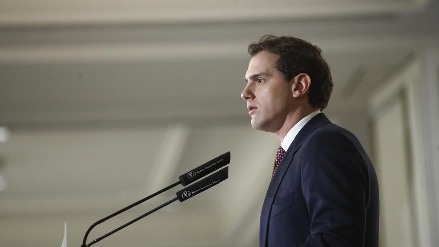 """Rivera recuerda a Rajoy los resultados del 28-A y dice que si Ciudadanos es bisagra, el PP sería """"una tuerca"""""""