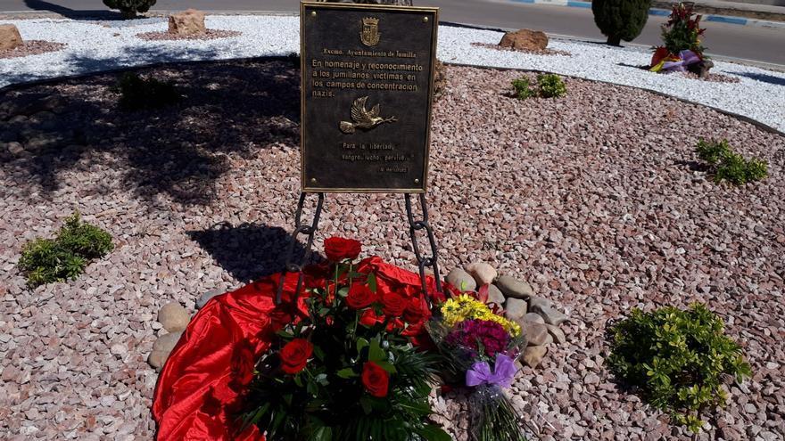 Placa conmemorativa inagurada en honor a los deportados a los campos de concentración nazi en Jumilla