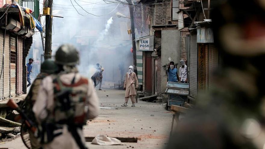 3 insurgentes y una civil mueren tras un enfrentamiento en la Cachemira india