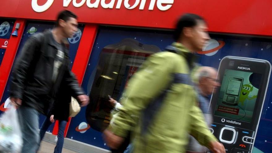 Vodafone reduce sus pérdidas atribuidas hasta 2.128 millones de euros