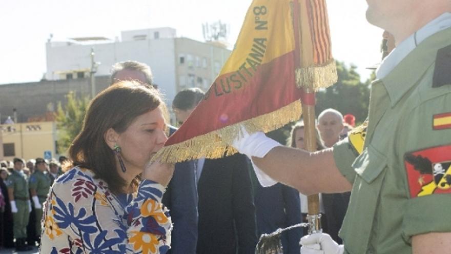 Isabel Bonig en el acto de jura de bandera