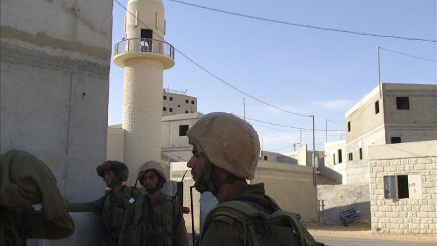 El Ejército israelí exime del servicio militar al objetor más veces arrestado