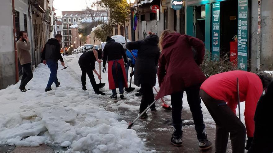 """""""Cuando se vayan las nieves Almeida volverá a tratar de arrinconar a los colectivos vecinales"""""""