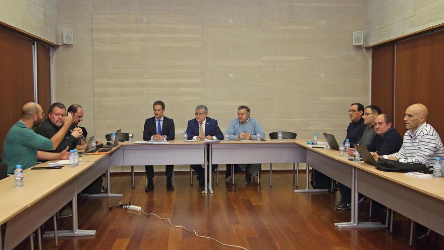 El consejero de Educación se ha reunido con representantes sindicales de la UCLM