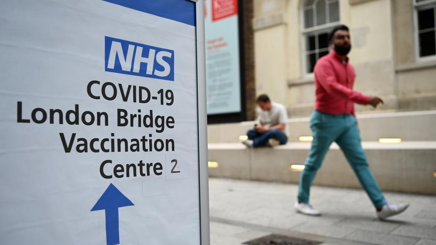 Autoridades sanitarias recomiendan vacunar de los 12 a 15 años en Reino Unido