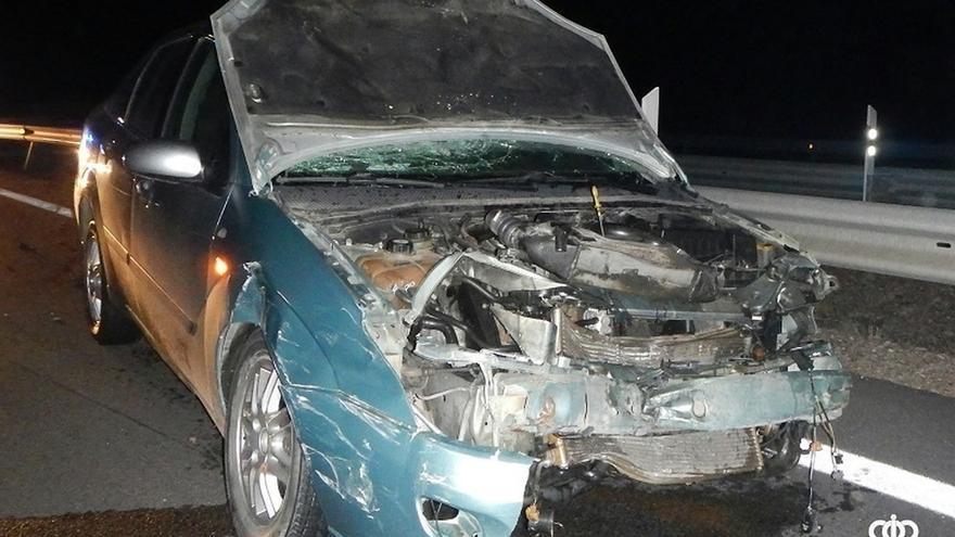 Dos denunciados tras colisionar sus vehículos y dar positivo en drogas en Fontellas