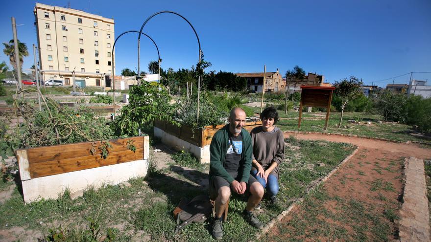 Sylvia y Jesús, de Cabanyal Horta, en el Jardín del Clot.