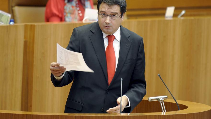 Óscar López cree que el voto gallego ayudará a frenar los recortes del PP en España