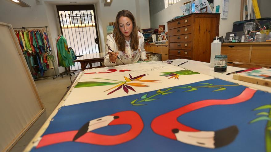 Velvet, artesana de la pintura en seda