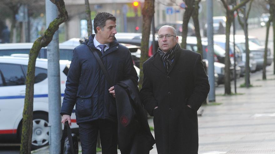 De Miguel y Gonzalo Susaeta, a su llegada a los juzgados