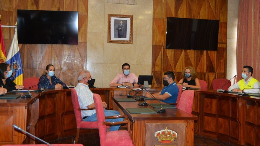 El Cabildo firma el acta de replanteo para iniciar las obras del futuro Hospital de Dolores