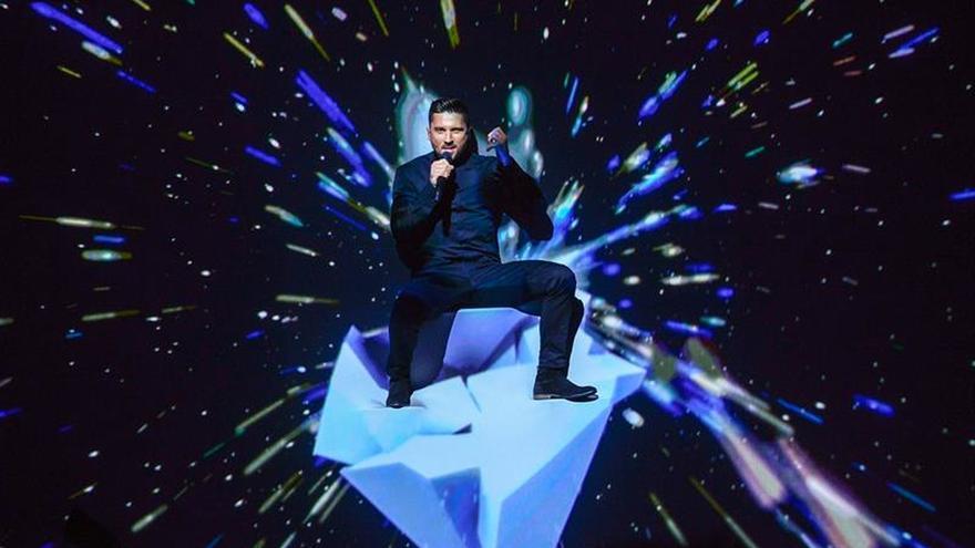 El cantante ruso Lázarev, un favorito cuestionado en su propio país