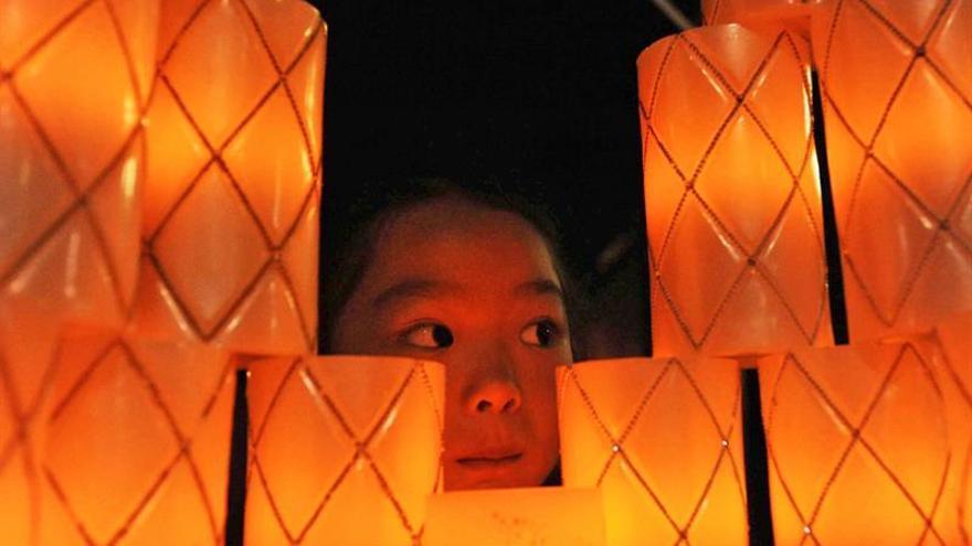 Japón recuerda a las más de 6.400 víctimas del seísmo de Kobe 22 años después