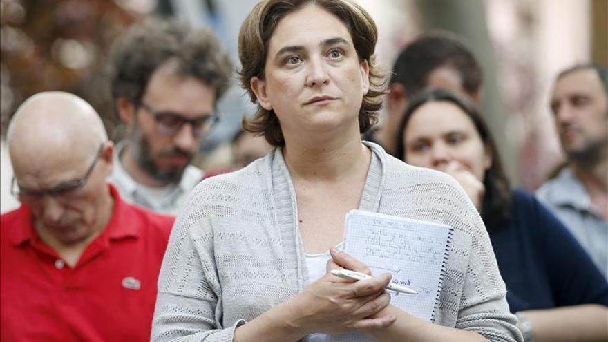 Colau quiere limitar el sueldo de cargos electos a 2.200 euros