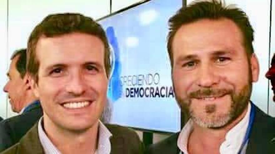 Alejandro Morant junto a Pablo Casado