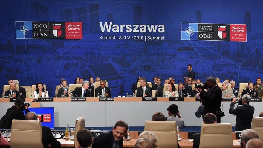 OTAN aprueba apoyo con Awacs a coalición contra EI y ayudar a UE en migración