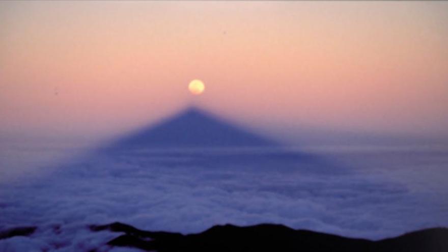 La sombra del Teide se alineará con la luna llena.