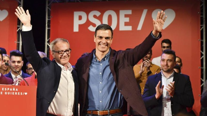 Guirao junto a Pedro Sánchez