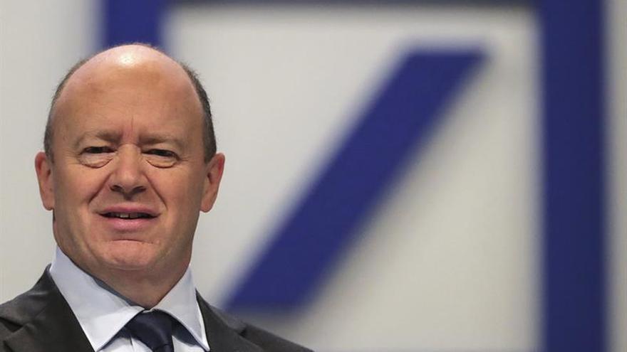 Cryan dice que debe terminar la época del dinero barato pese al euro fuerte