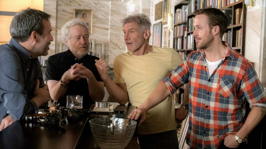 Izq. Dcha: Denis Villeneuve, Ridley Scott, Harrison Ford y Ryan Gosling