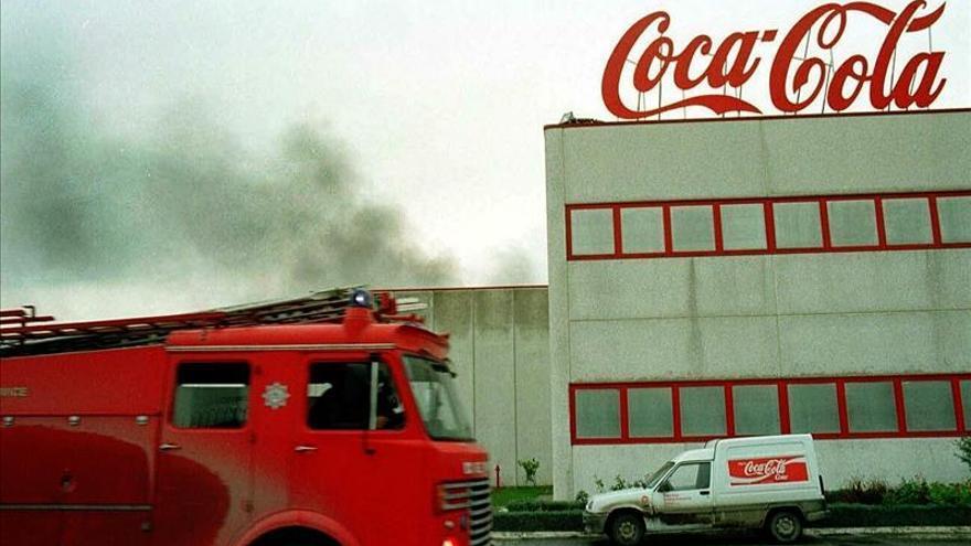 Una huelga paraliza la mayor planta de Coca Cola Femsa en Venezuela