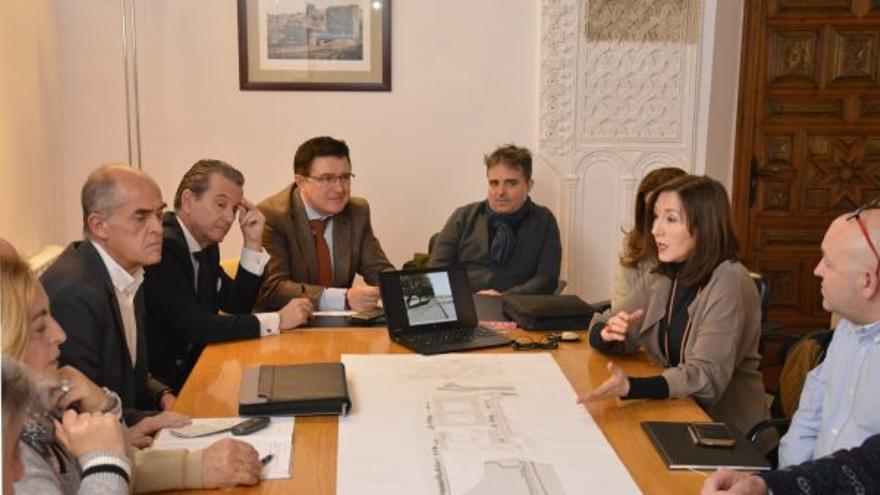 Imagen de archivo, reunión sobre Vega Baja / Ayuntamiento de Toledo