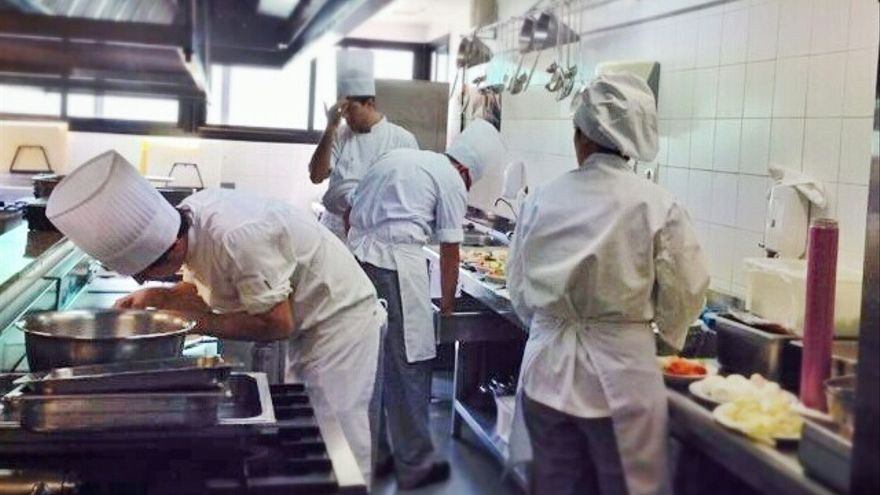 """Ruiz Espejo asegura que el reinicio de las clases en La Cónsula será """"inmediato"""" tras la publicación en el BOJA"""