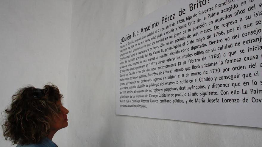 Coincidiendo con el 243 aniversario de la muerte de Anselmo Pérez de Brito, durante estos días se ha instalado en el atrio del Ayuntamiento un panel explicativo de su vida y obra, extraído del libro Fastos Biográficos de La Palma, de Jaime Pérez García.