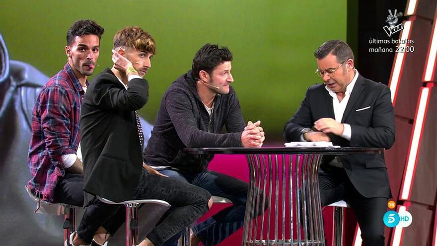 Miguel, Dani y Cristian F. con Jorge Javier Vázquez en el plató de 'Gran Hermano Revolution'