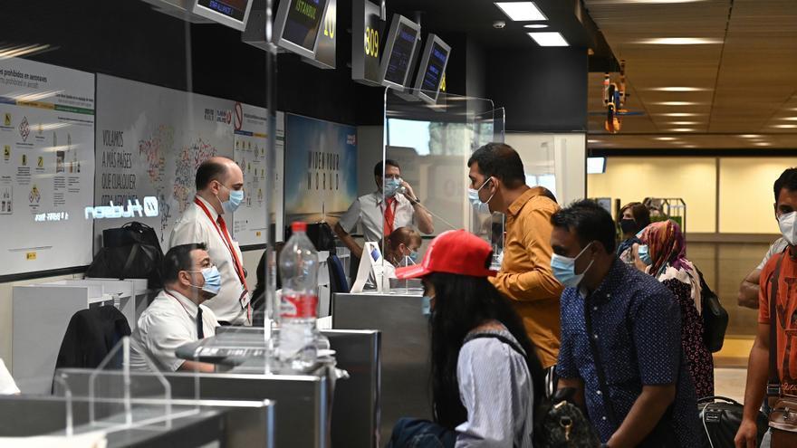 Los viajeros procedentes de la lista de territorios de la Xunta deberán comunicar sus planes de viaje