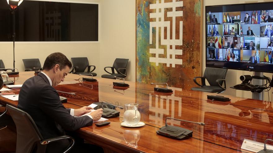 El presidente del Gobierno, Pedro Sánchez, se reúne con los presidentes autonómicos por videoconferencia.