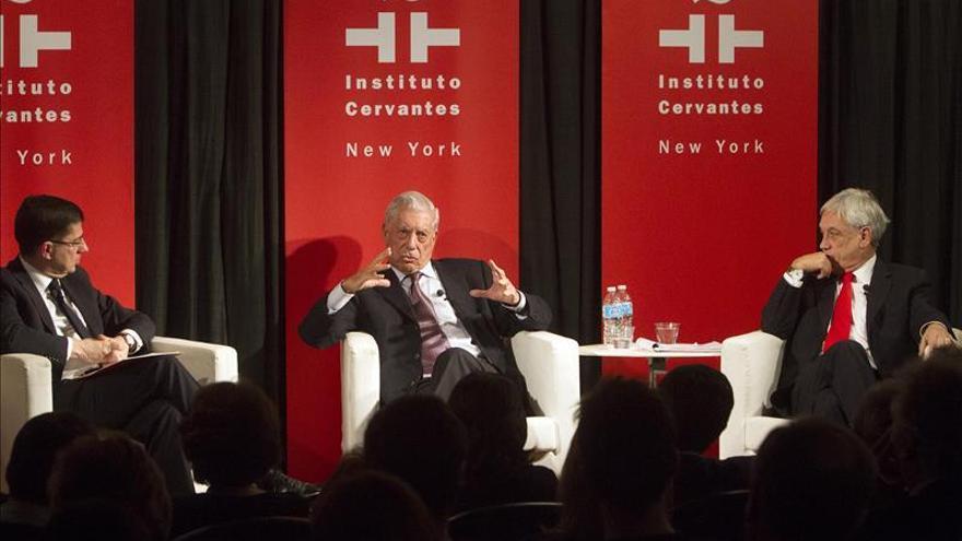 """Vargas Llosa afirma que sería un """"suicidio"""" si los republicanos eligen a Donald Trump"""