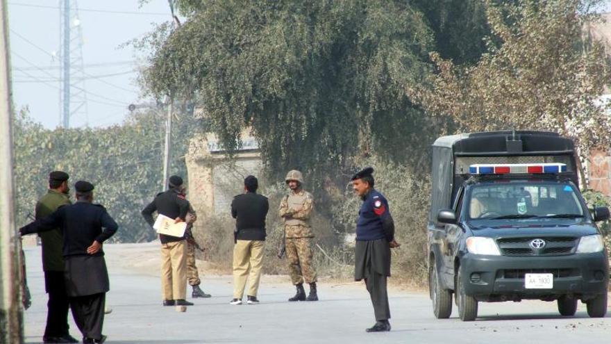 Mueren al menos siete personas en un atentado suicida en Pakistán