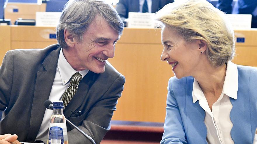 El presidente del Parlamento Europeo, David Sassoli, y la candidata a presidir la Comisión Europea, Ursula von der Leyen.