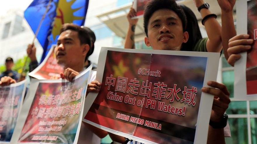 Activistas filipinos exigen a China que abandone los territorios disputados